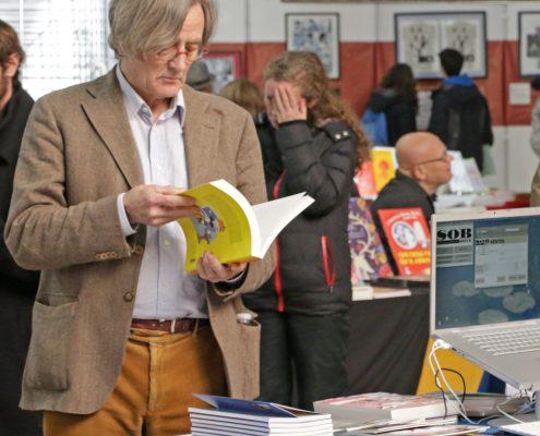 Philippe Sohet sur le stand de Stripologie.com