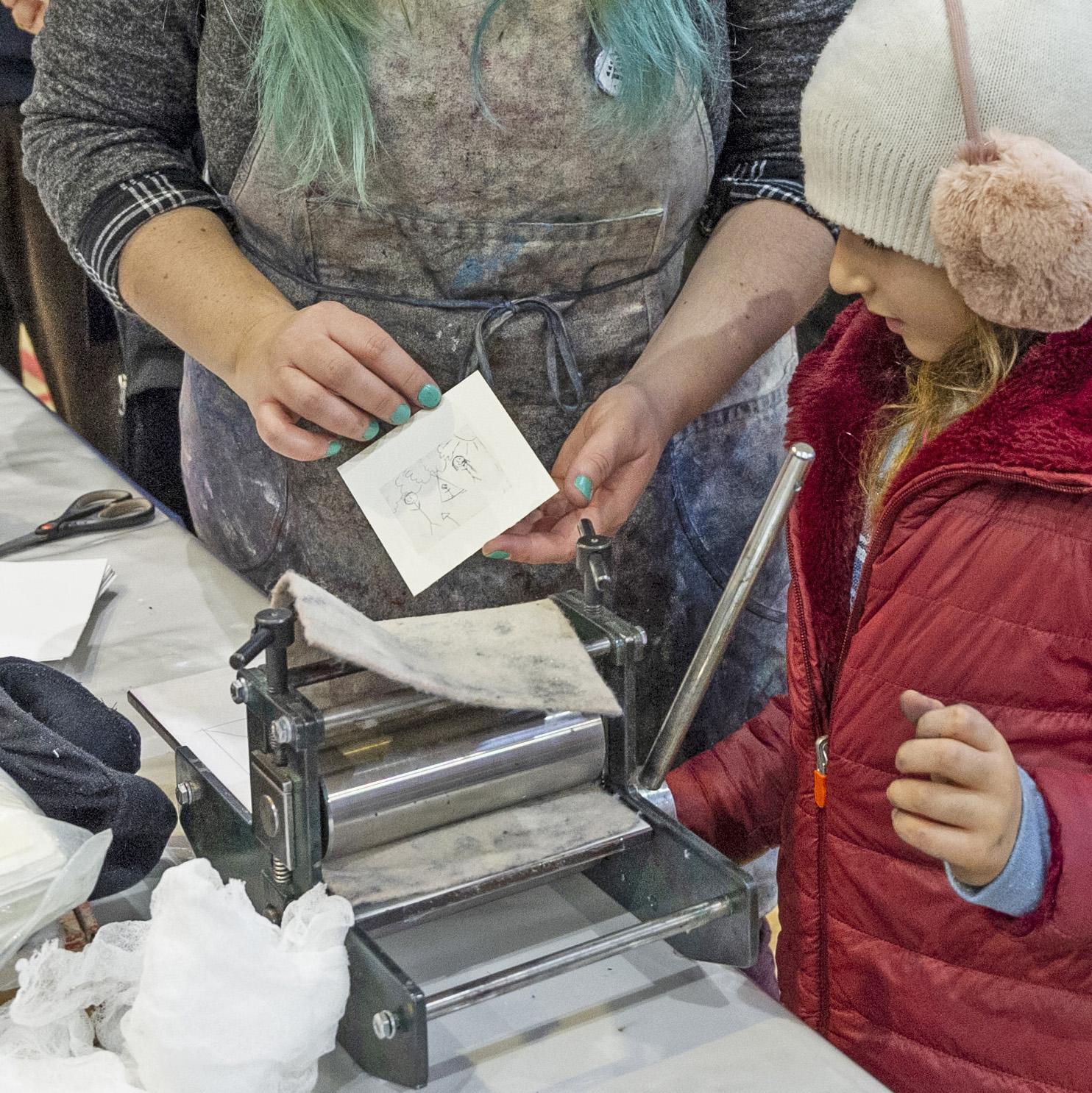 Atelier Gravure sur brique de lait